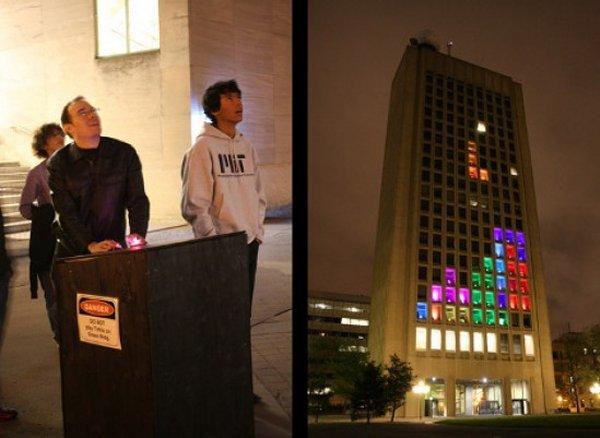 Tetris am Hochhaus. (Foto: Geekosystem.com)