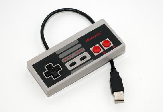 NES-Controller als USB-Stick. (Foto: Etsy)