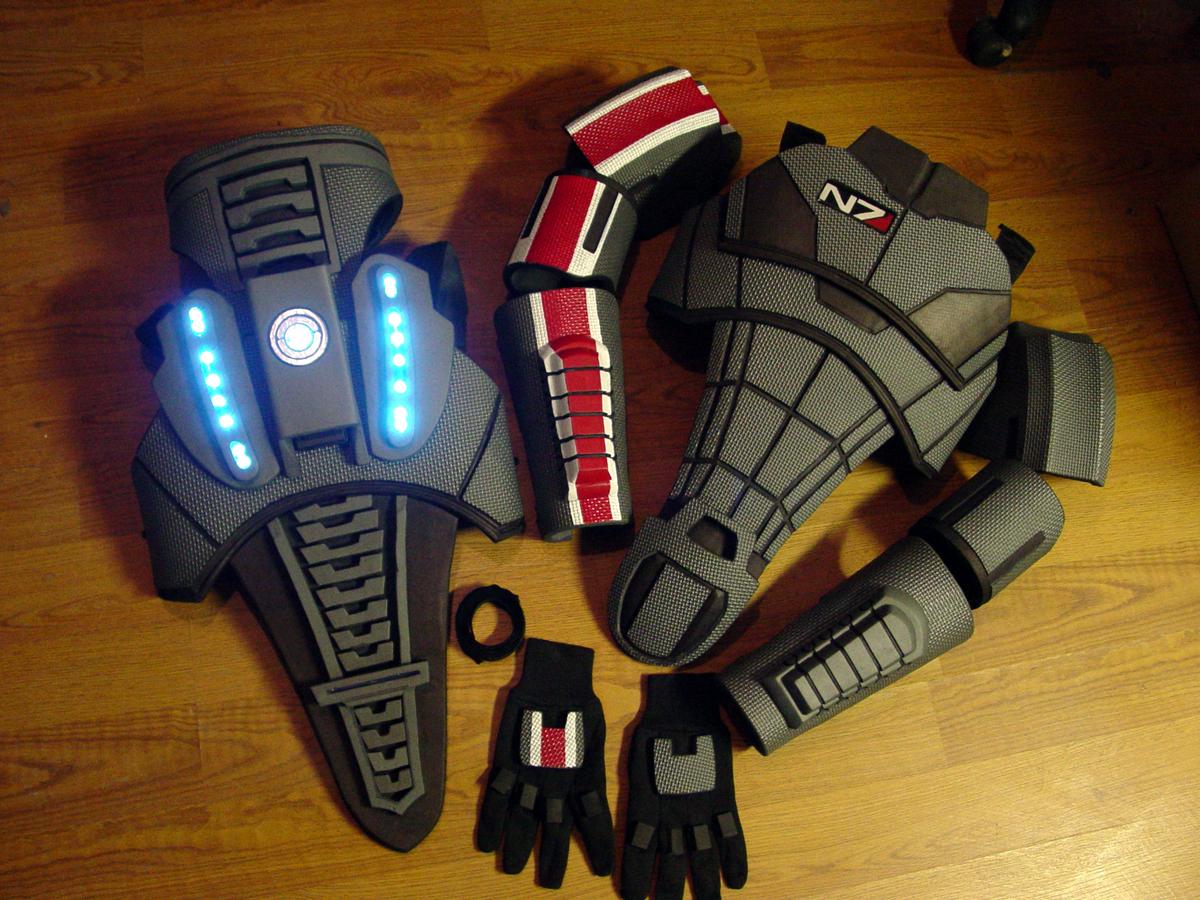 Beeindruckend, aber teuer: die N7-Rüstung. (Foto: bioweapons.com)