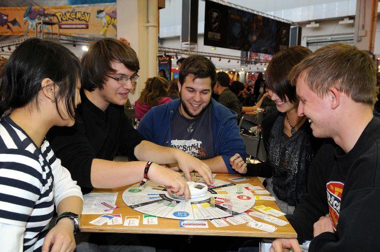 Hier stehen Pappe und Würfel im Fokus. (Foto: internationalespieltage.de)