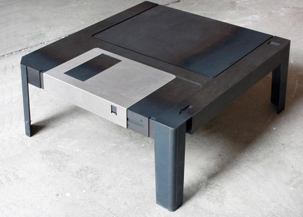 Ein Tisch als Diskette. Oder anders herum. (Foto: floppytable.com)