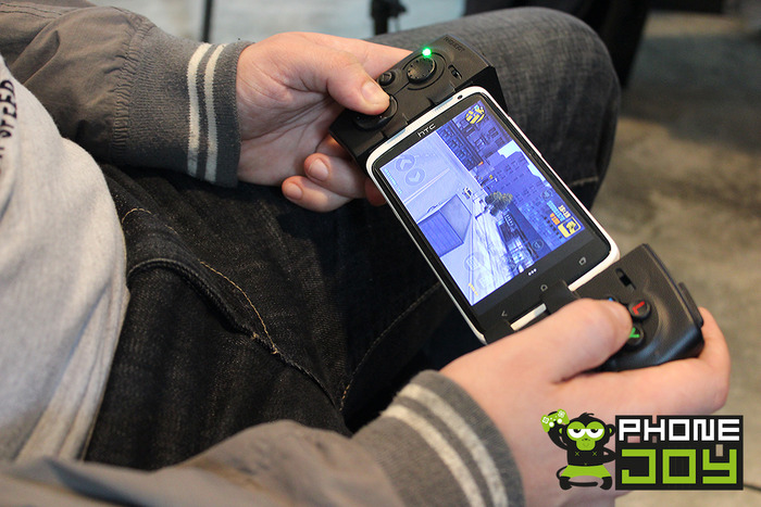 Ob groß oder klein - der Controller soll an fast jedes Touchscreen-Gerät passen. (Foto: Kickstarter)