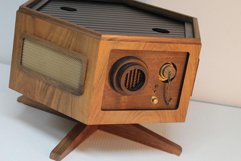 r kaid redelux fantastische nostalgie spielkonsole aus holz. Black Bedroom Furniture Sets. Home Design Ideas