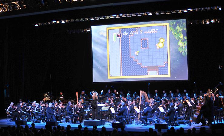 Während des Konzerts werden Spielszenen dargestellt. (Foto: zelda-symphony.com)