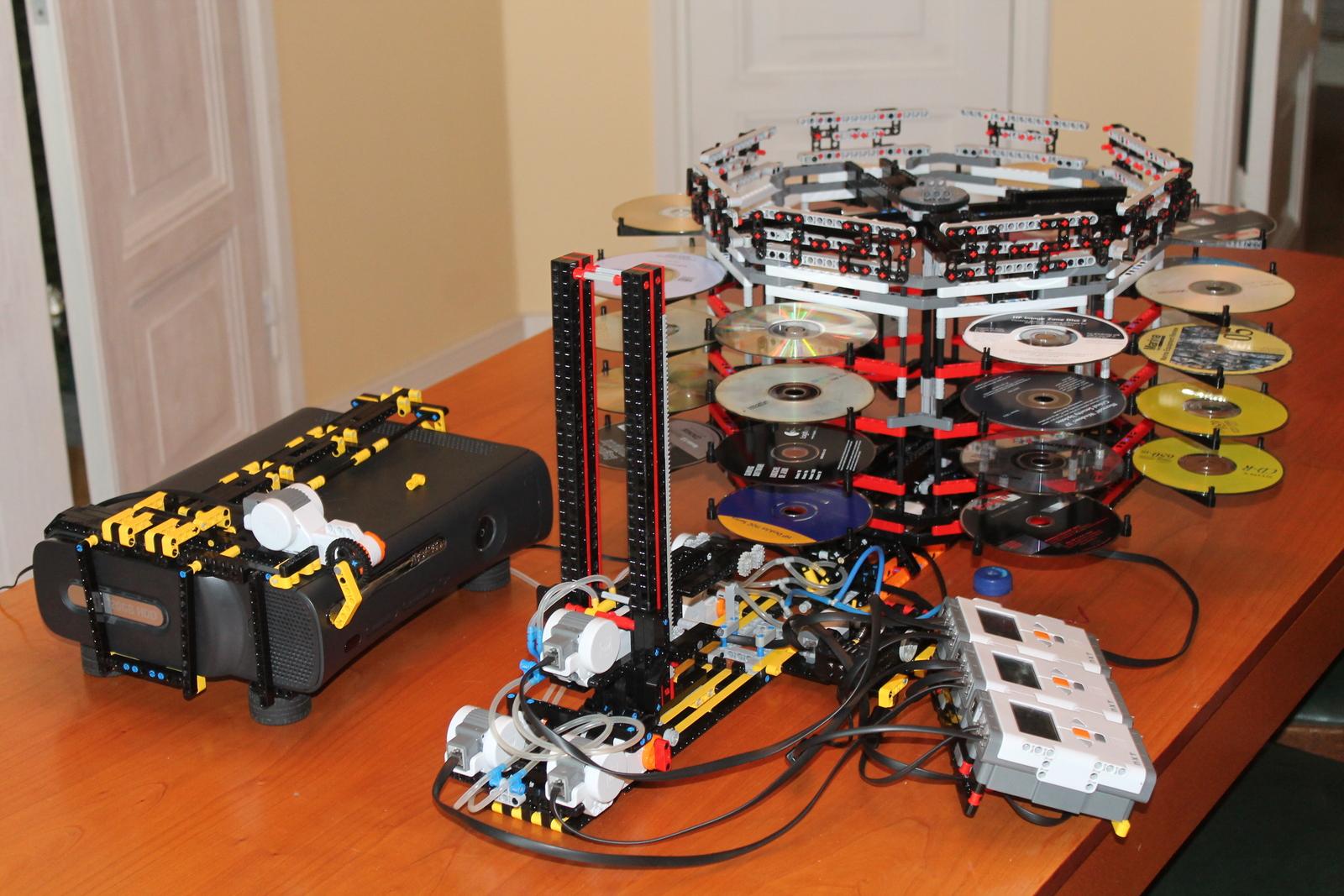 Was für eine riesige Apparatur. Nichts fürs Wohnzimmer, oder? (Foto: palikkatakomo.org)
