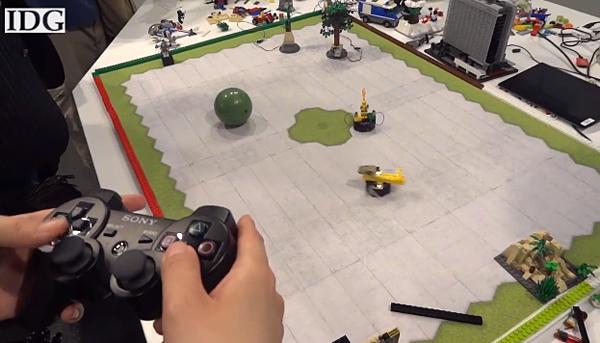 Spielzeug trifft auf High-Tech. Wieso auch nicht? (Foto: Youtube)