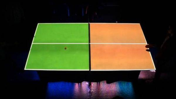 Sogar die Felder der Tischtennisplatte können sich farblich ändern. (Foto: Vimeo)