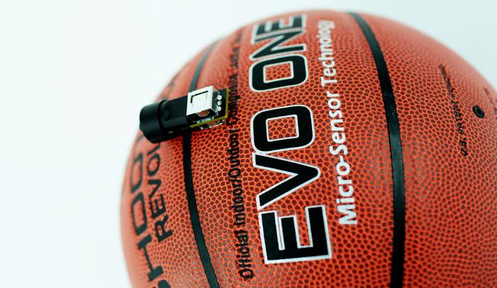 Das ist der Ball. Und der Sensor dazu. (Foto: Kickstarter)