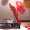 Teil des Spielkonzepts: Ein Klotz am 3DS. (Foto: inside-games.jp)