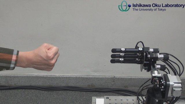 Keine Chance gegen die Roboterhand! (Foto: BBC)