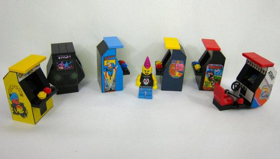 Automaten und Punker für die eigene LEGO-Welt gefällig? (Foto: Etsy)