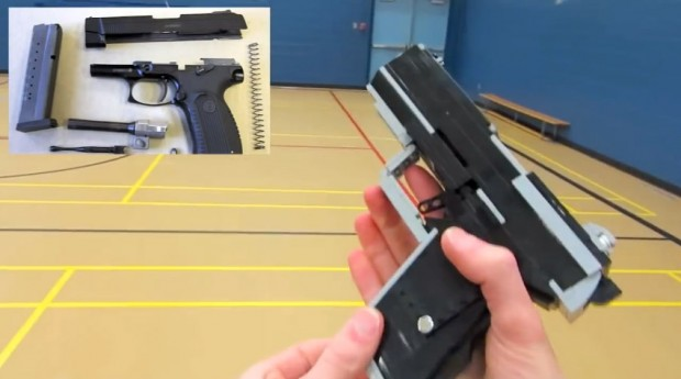 Das ist noch die harmloseste Waffe... (Foto: Youtube)
