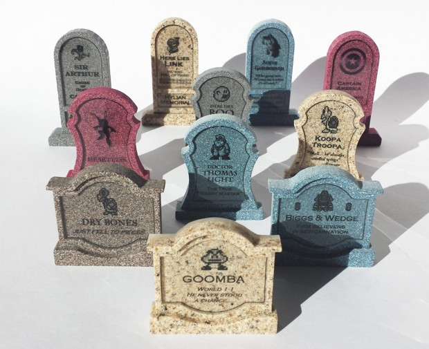 Was könnte man mit diesen Grabsteinen eigentlich anfangen? Ideen? (Foto: Etsy)