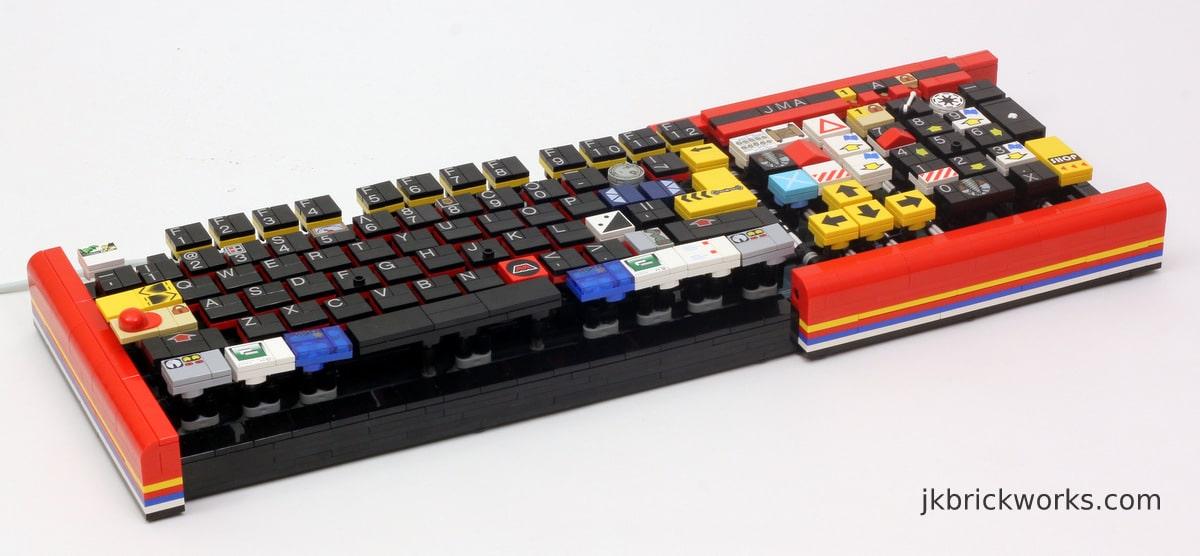 Die kunterbunte Lego Tastatur (Foto: http://jkbrickworks.com)