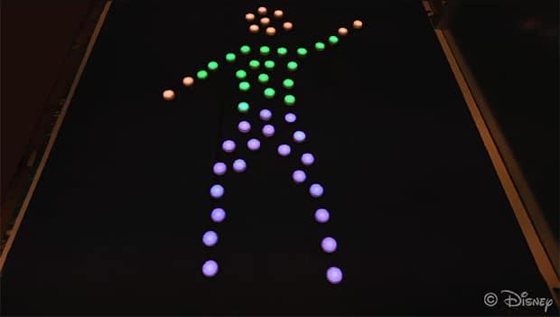 Kleine Roboter bilden diese Zeichnung (Foto: IEEE)