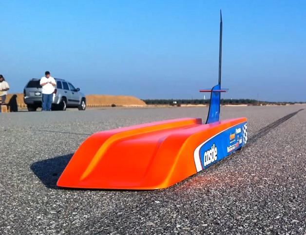 Das schnellste ferngesteuerte Auto der Welt! (Foto: autoblog.com)