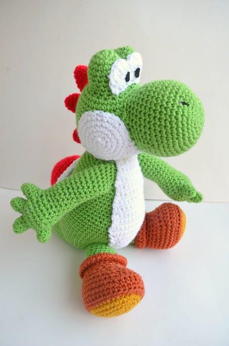 """Dieser Garn-Yoshi wird euch das Warten auf """"Yoshi's Woolly World"""", welches in der ersten Hälfte kommenden Jahres erscheinen soll, versüßen. (Foto: Etsy.com)"""