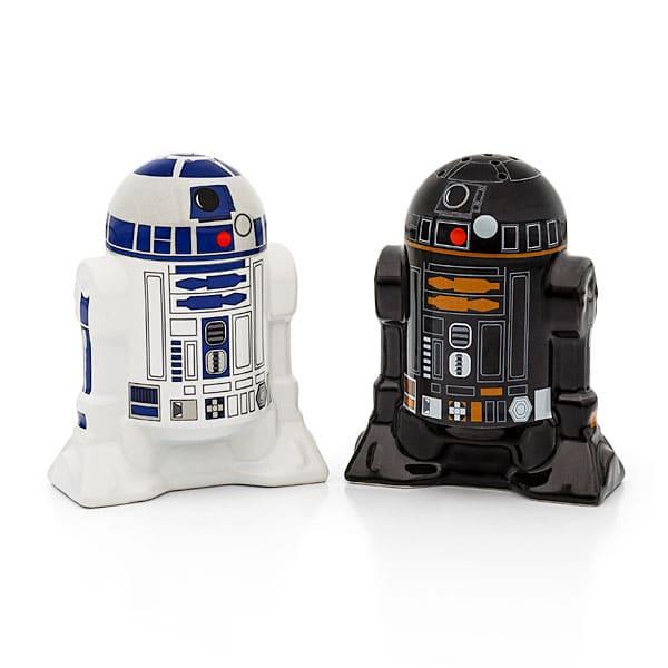 Bekömmlich! R2-D2 und R2-Q5 als Salz- und Pfefferstreuer! (Foto: TinkGeek)