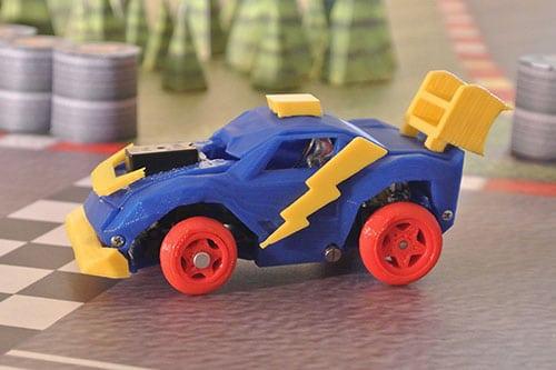 Aus dem 3D-Drucker kommen die Rennwagen. (Foto: 3DRacers)