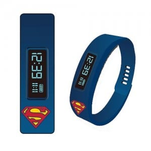 Superman Fitness Tracker LED Watch (Foto: Entertainment Earth)