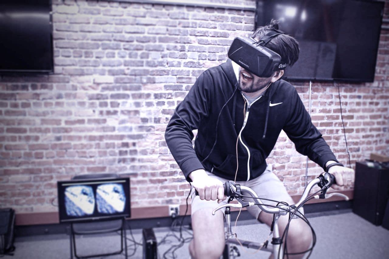Action mit VR-Brille und Fahrrad-Trainer. (Foto: Widerun)