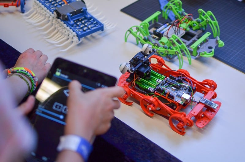 Spaß beim Basteln. (Foto: Maker Faire)