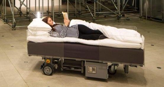 Spaß im Bett auf etwas andere Art. (Foto: Hayward Gallery)