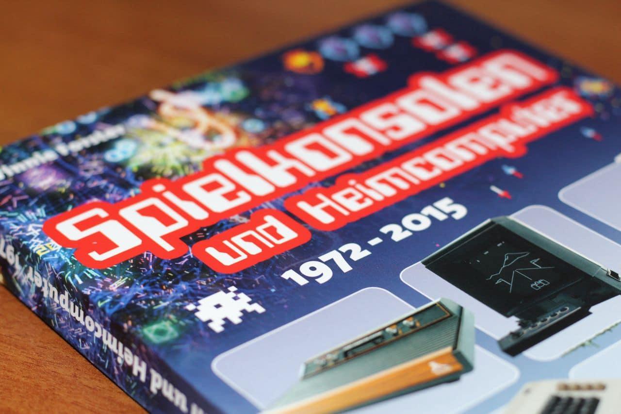 Ein schönes Buch, das immer wieder zum Blättern einlädt. (Foto: Sven Wernicke)