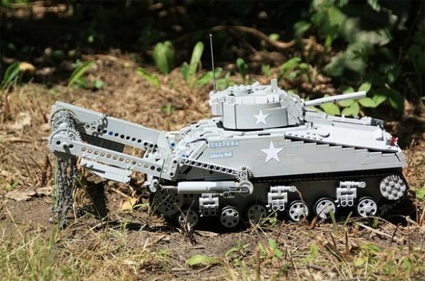 Was für ein schicker Panzer. (Foto: Tommy Styrvoky)