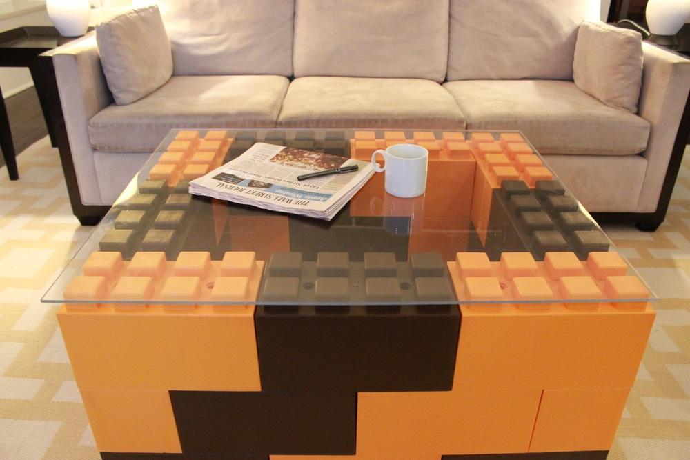 Ein Tisch - farblich aber nicht so toll. (Foto: Everblock Systems)