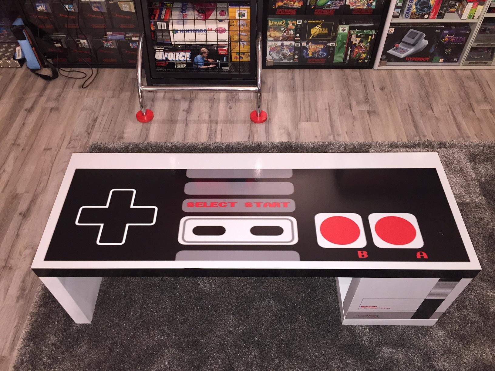 Der NES Tisch von vorne. (Foto: Ertan Metin)