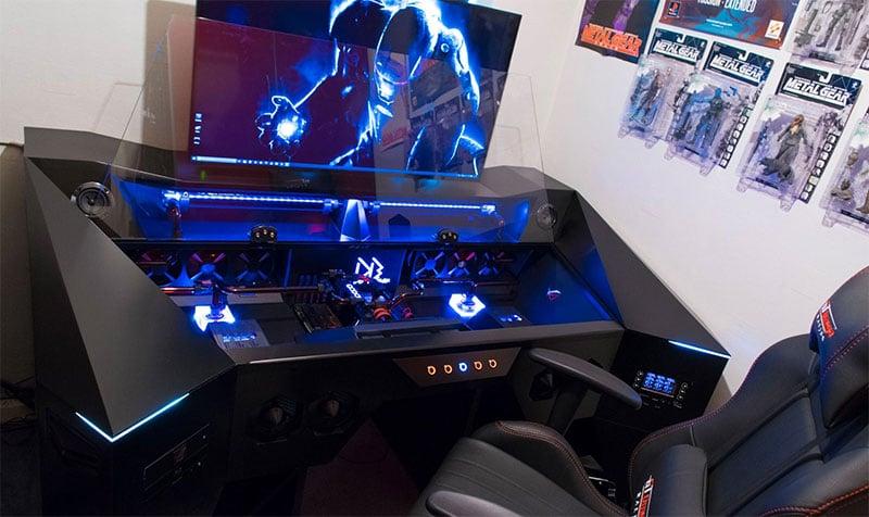 Ein schicker Riesen-Rechner. (Foto: Deblow)