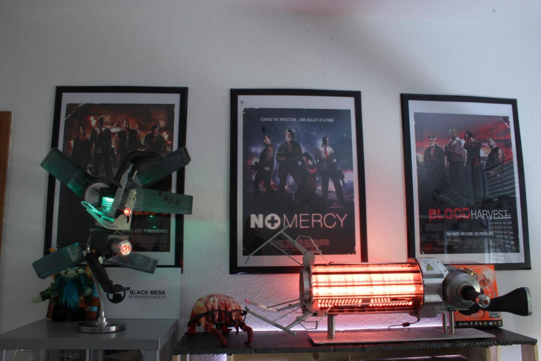 Gravity Gun und Manhack bekamen einen Ehrenplatz. (Foto: Julian Ritter)