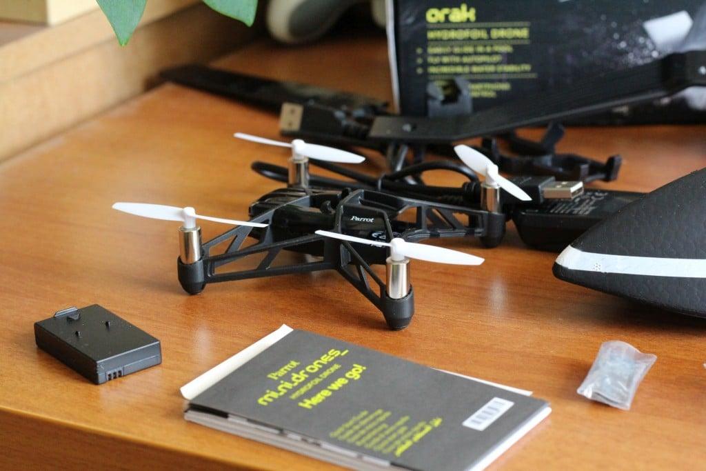 Es ist eigentlich eine normale Airborne Minidrone. (Foto: GamingGadgets.de)