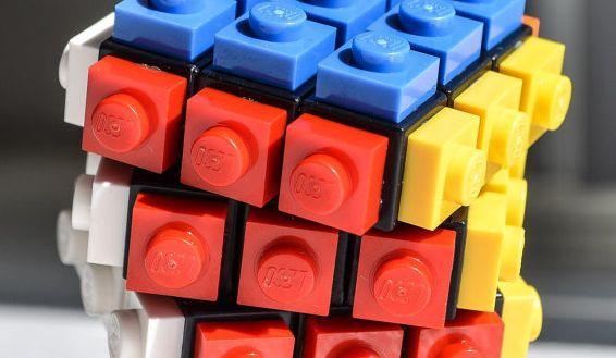 Puzzle trifft auf LEGO. (Foto: Etsy)
