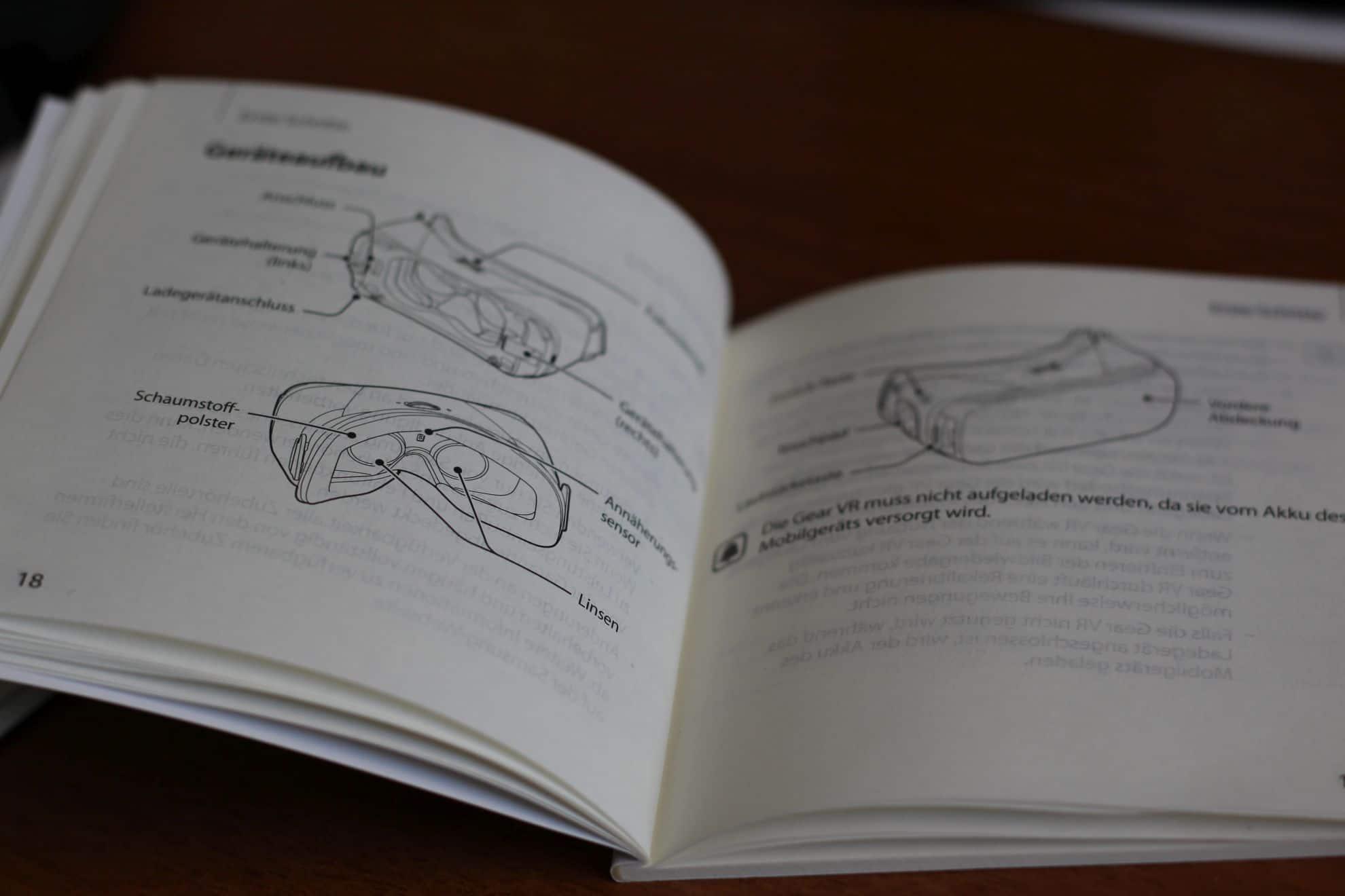 Das Handbuch ist erstaunlich umfang- und hilfreich. (Foto: Sven Wernicke)
