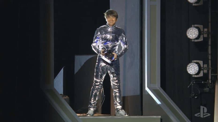 Erfinder Tetsuya Mizuguchi in seinem Anzug. (Foto: Sony)