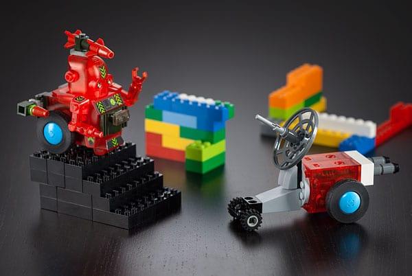 Auch kleine Vehikel können mit den Standard-Teilen gebaut werden. (Foto: ThinkGeek)