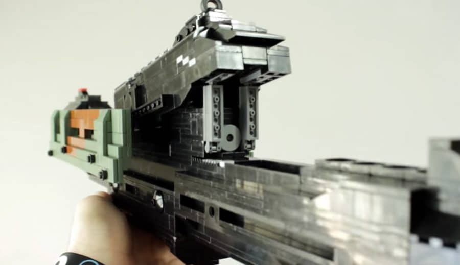 Martialisch. Aber nur aus LEGO. (Foto: Screenshot)