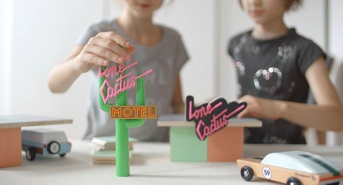 Candylab Toys: Die 1960er Jahre sind als Holzspielzeug zurück