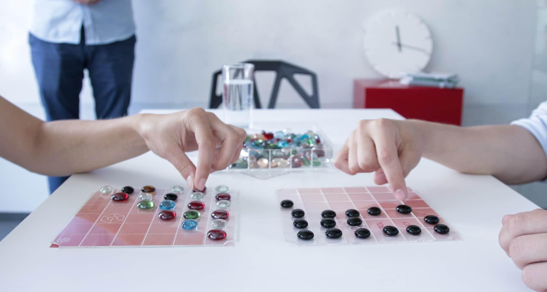 The Bead Game: Zocken mal anders. Über 100 analoge Spiele in einer Box