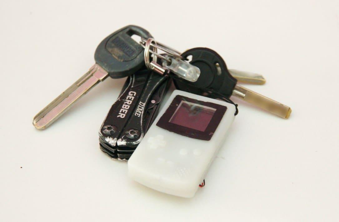 DIY Nano Gameboy: Handheld-Konsole oder Schlüsselanhänger?