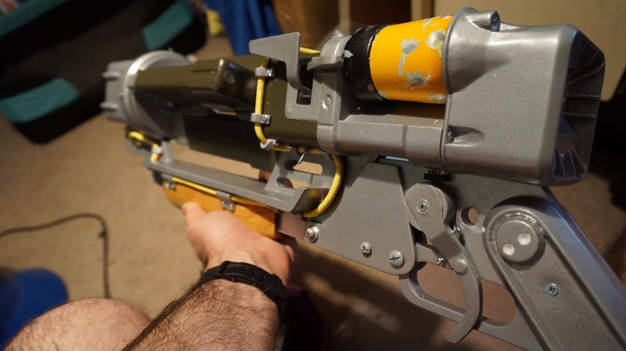 DIY Fallout 4 Laser Rifle: Voll funktionsfähiges Lasergewehr aus dem 3D-Drucker