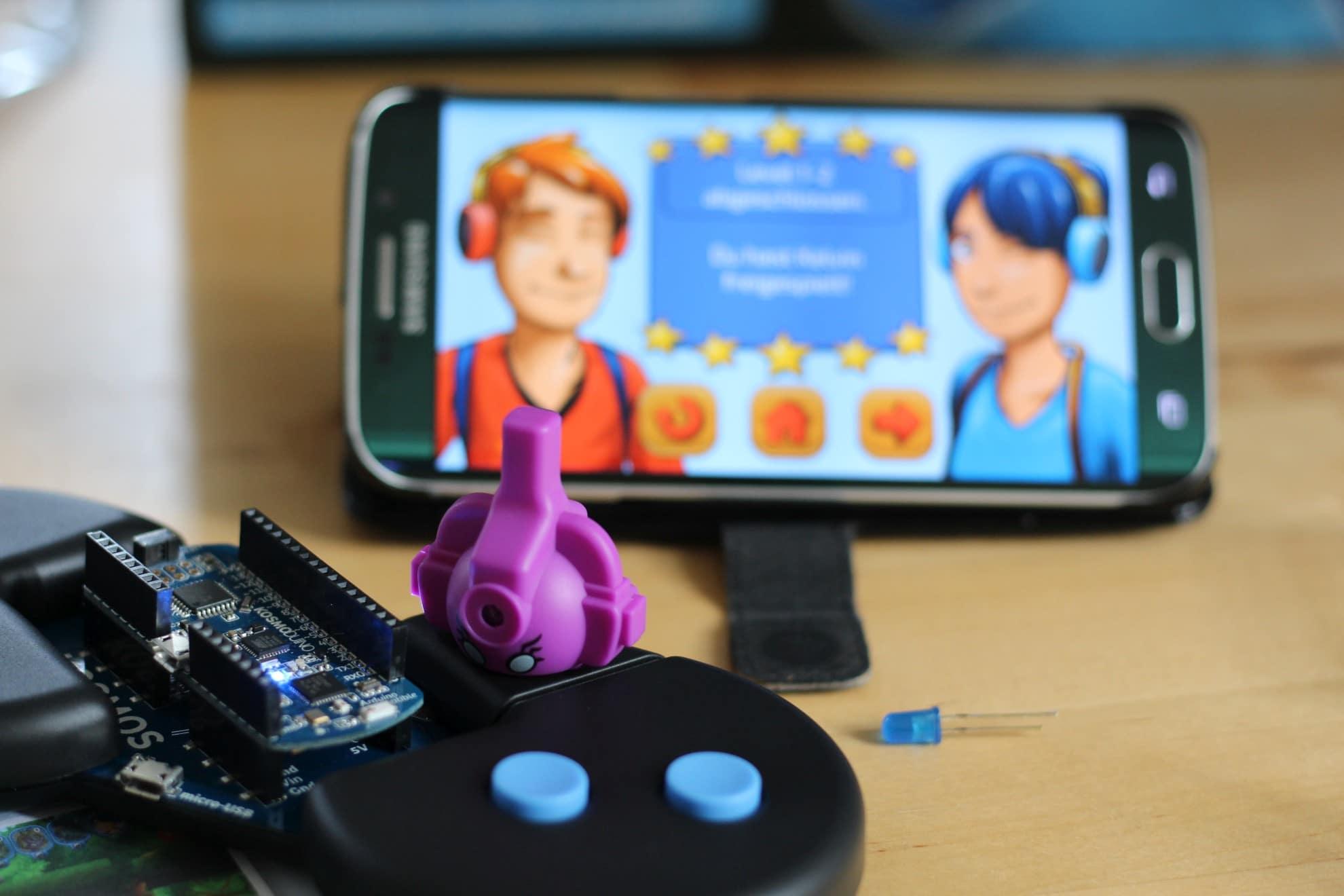 Die farbigen Sensoren wechselt ihr passend zum Spielgeschehen. (Foto: Sven Wernicke)
