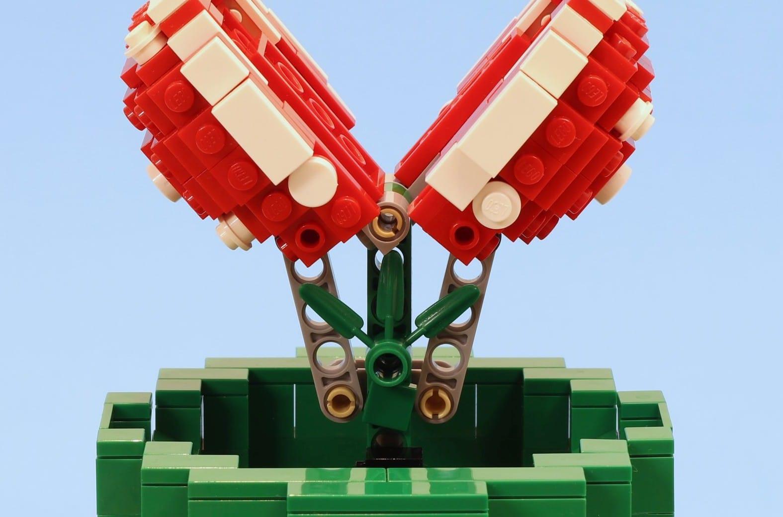 LEGO Piranha Plant: Gefährlich! Diese Piranha Pflanze aus Super Mario Bros. lebt wirklich!