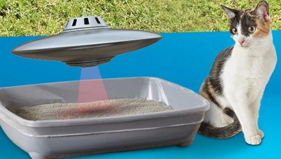 Bald auch für Katzen - fliegende Untertassen, die Haufen entfernen. (Foto: Petco)