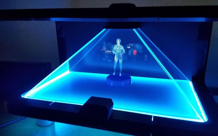 Holographic Cortana Appliance: Die Sprachassistentin lebt! Als Hologramm!