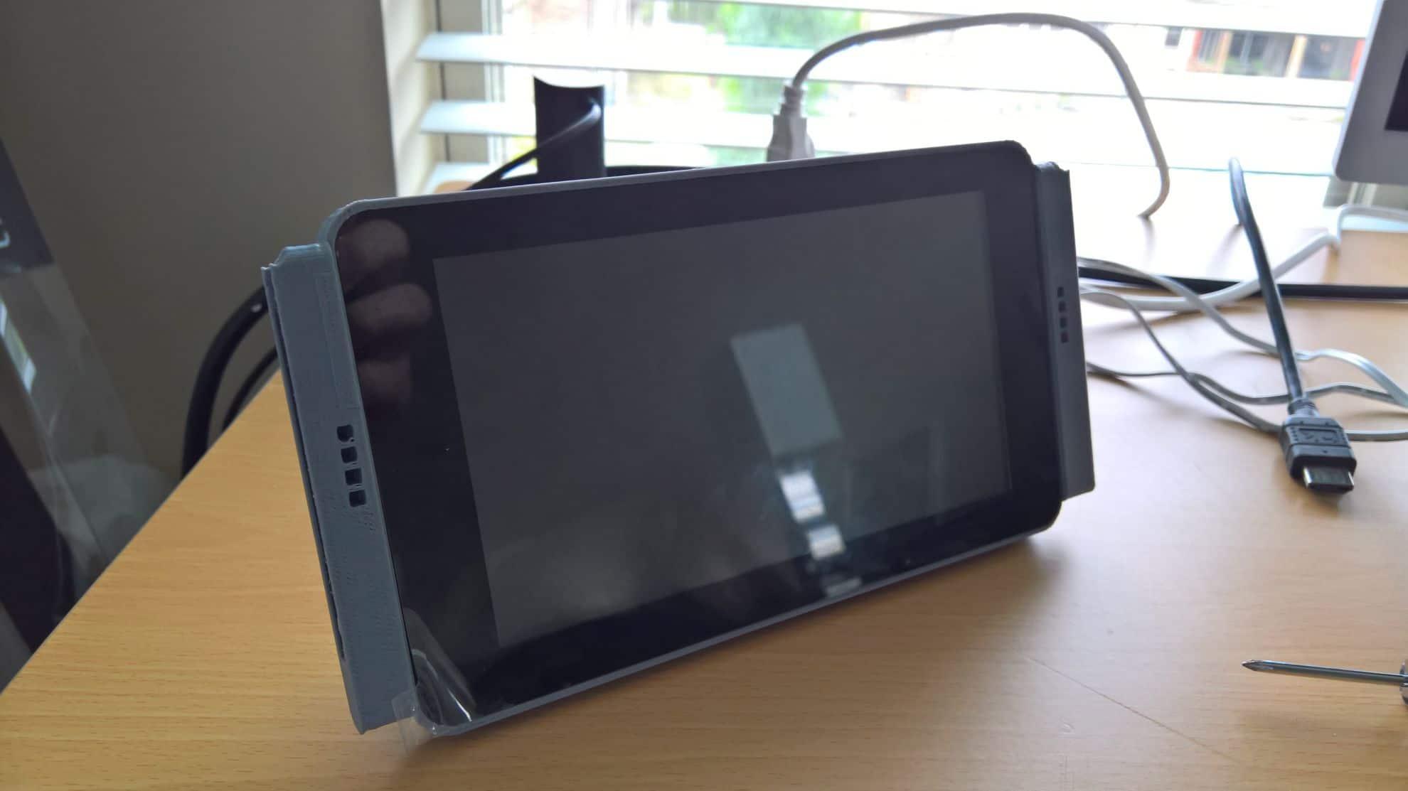SwitchBerry: Diese Handheld-Konsole streamt PC- und Xbox One-Spiele