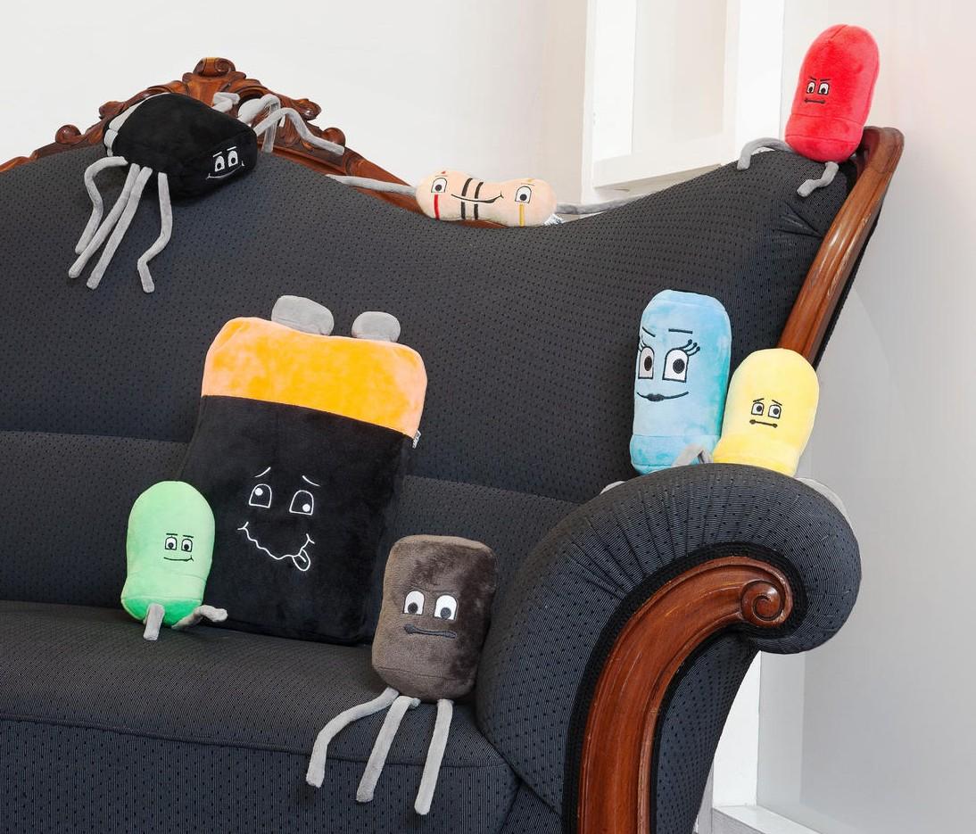 Sie machen es sich auf der Couch gemütlich. (Foto: GetDigital)