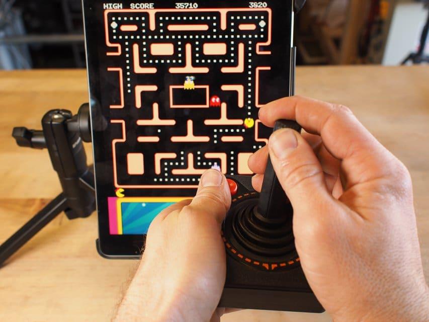 Atari 2600: Alten CX-40 Joystick umgebaut